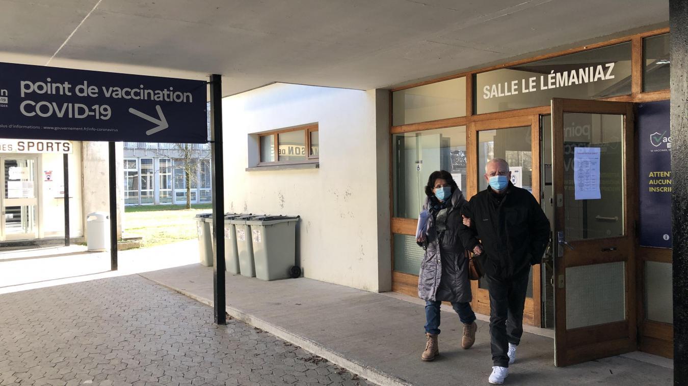 Vaccination à Thonon : reportage au centre de la Grangette