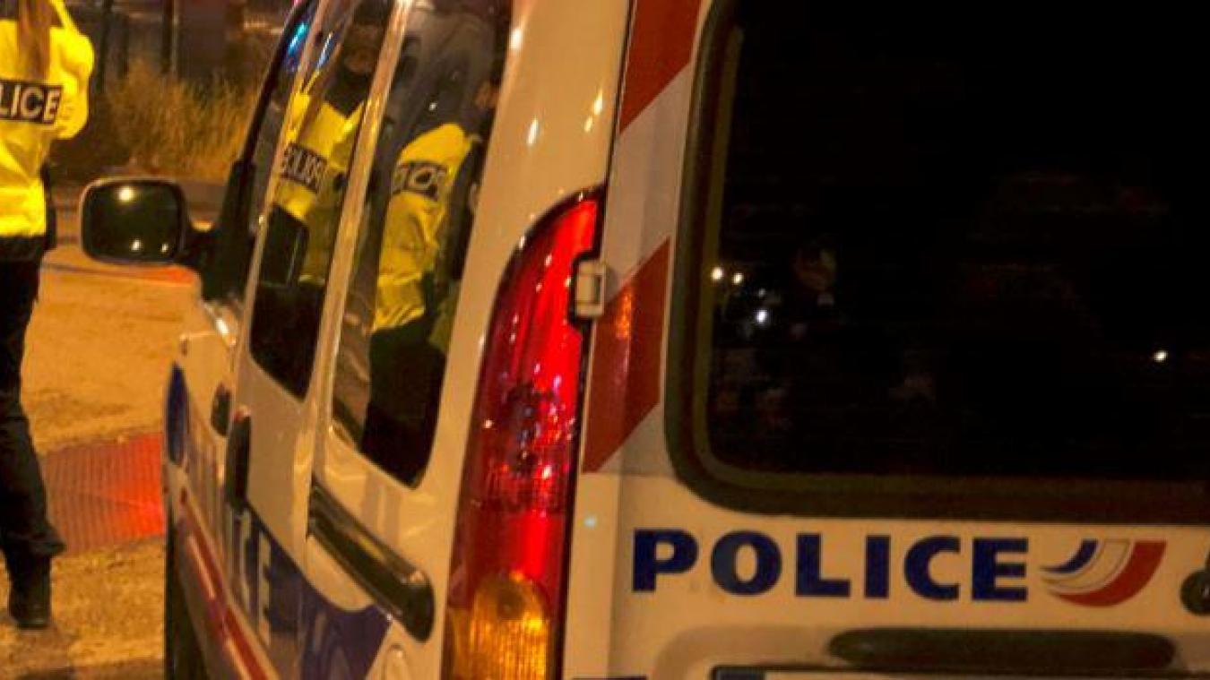 Les policiers ont été reçus par des insultes de cinq jeunes adultes, dans la nuit du 15 au 16 janvier, alors qu'ils tentaient de mettre fin à une fête à Annecy, en plein couvre-feu