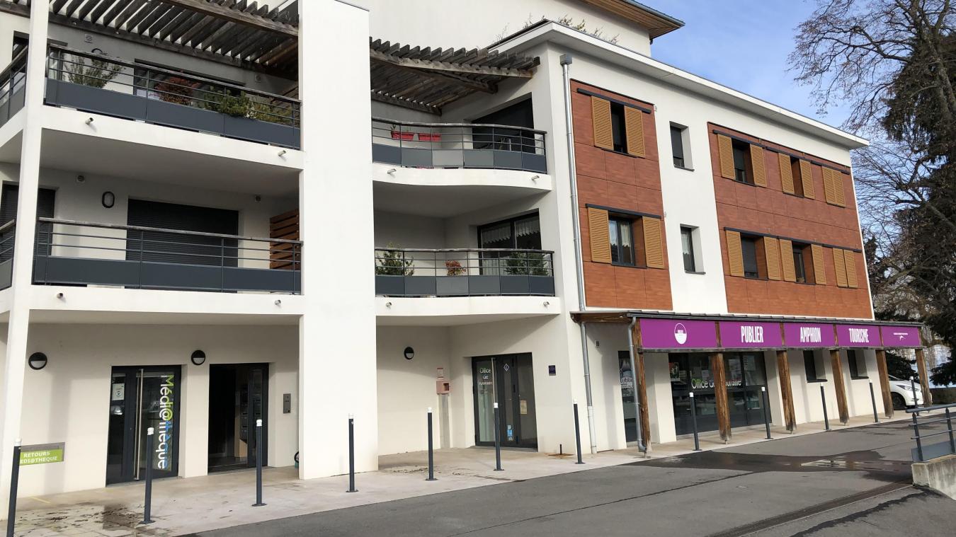 La police municipale investira les locaux de l'office du tourisme et la salle Brancovan, une salle située à l'arrière de la médiathèque.