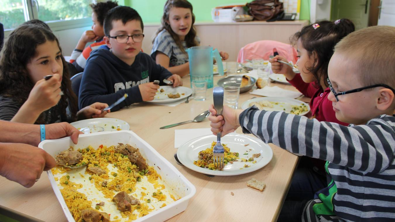La part du bio et du local dans les repas des enfants et des personnes âgées pourrait bientôt augmenter.