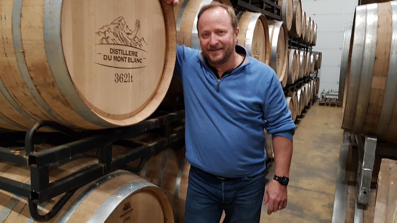Après une bière en canette de la Brasserie du Mont Blanc, Sylvain Chiron prévoit deux nouveautés cette année: la sortie d'un whisky et de deux gins.