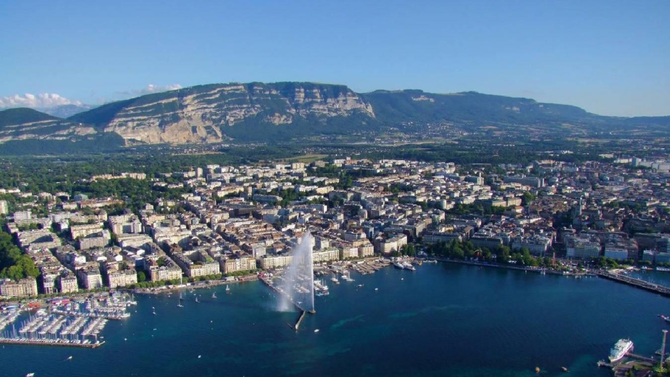 Le canton de Genève reverse à l'Ain et la Haute-Savoie une partie de l'impôt à la source acquitté par les travailleurs frontaliers. Cette année, le montant de la compensation genevoise dépasse les 295 millions d'euros. (Crédit photo : Jean-Jacques Steiner/Genève Tourisme)
