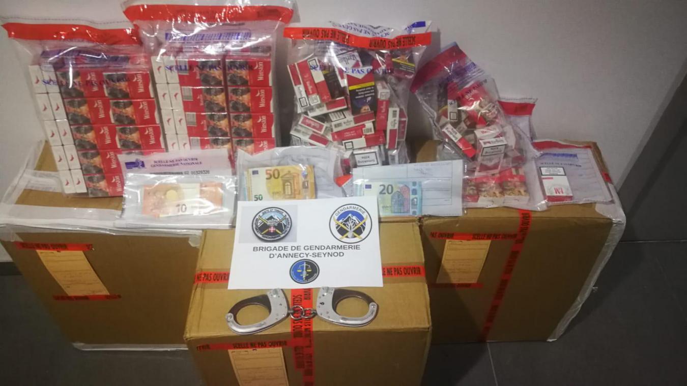 Près de 200 cartouches de cigarettes ont été retrouvées sur les deux lieux de perquisitions par la gendarmerie.