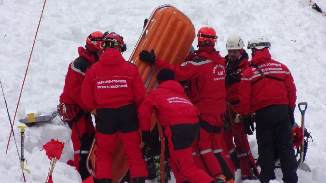 Chézery-Forens : exercice de recherche de victimes d'avalanche à Menthières