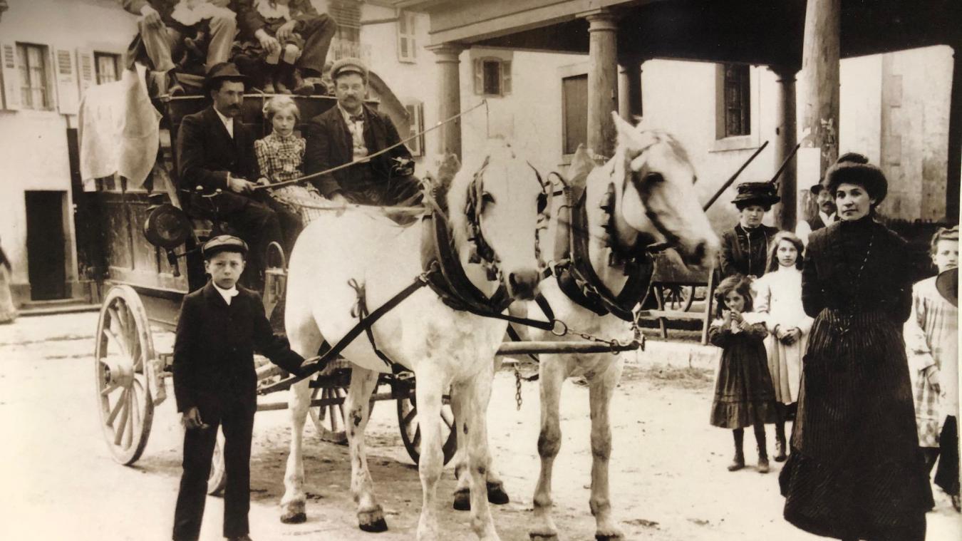 Au début du XXe siècle, la Diligence faisait office de relais de poste et de transport à cheval.