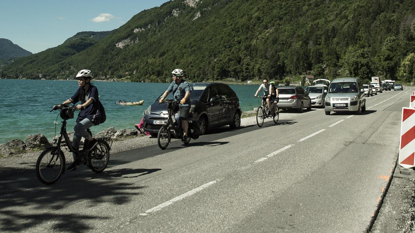 Le collectif propose des animations tout autour du lac d'Annecy.