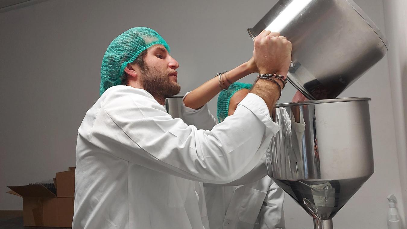 Les produits sont fabriqués artisanalement dans un laboratoire à Douvaine.