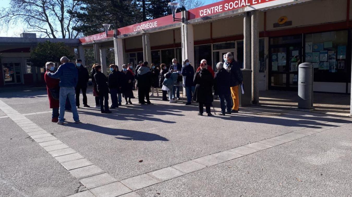 Le collectif d'habitants se retrouve régulièrement ces dernières semaines pour faire valoir son combat de sauver le centre social.