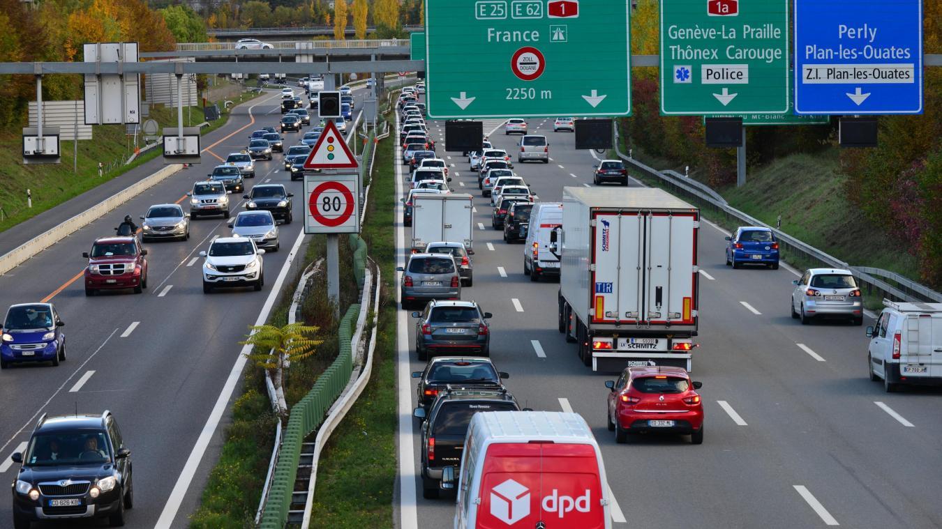 Genève est souvent embouteillée. Ici, on peut voir la route du contournement saturée. (Photos DRK)