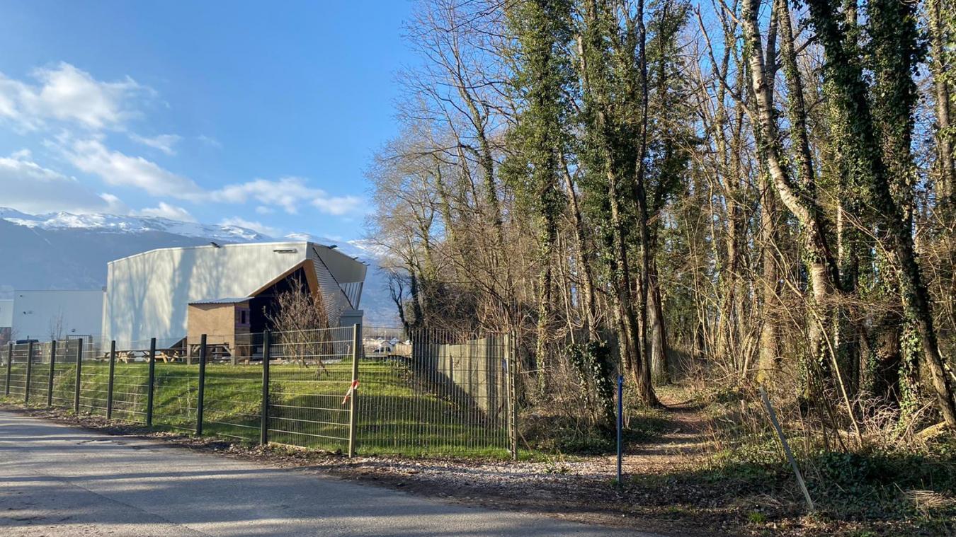 Le projet se situe a proximité de la salle d'escalade de Cortigrimp01.