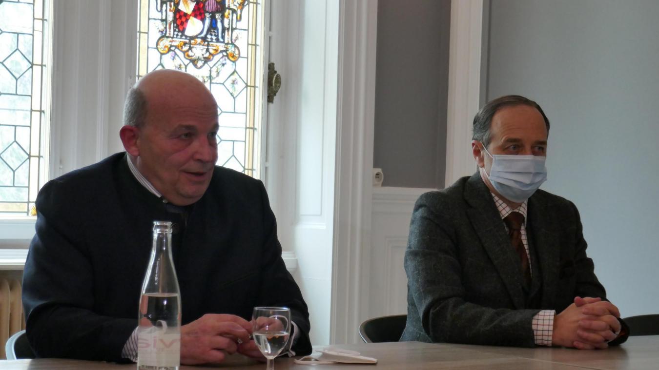 Xavier de La Forest-Divonne et l'avocat de la famille, Jean-Jacques Neuer.