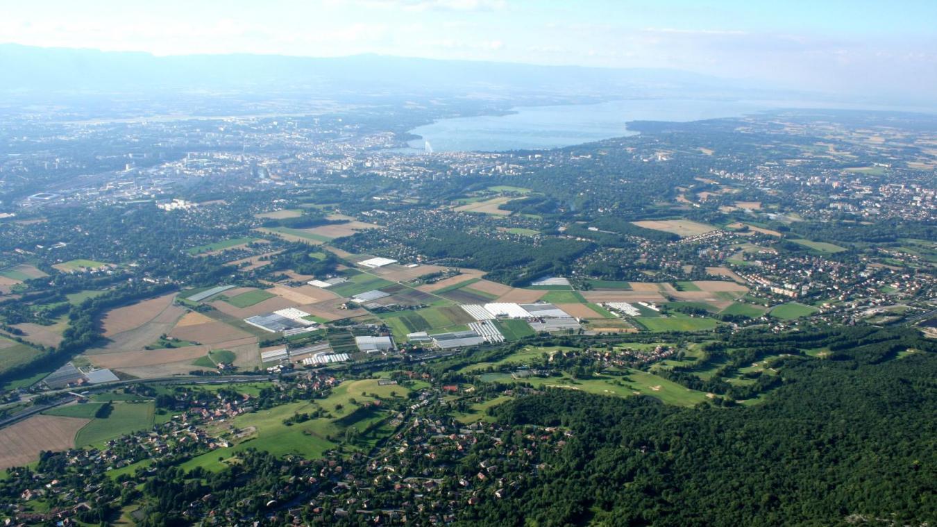 Le Grand Genève c'est 946000 habitants pour 212 communes.