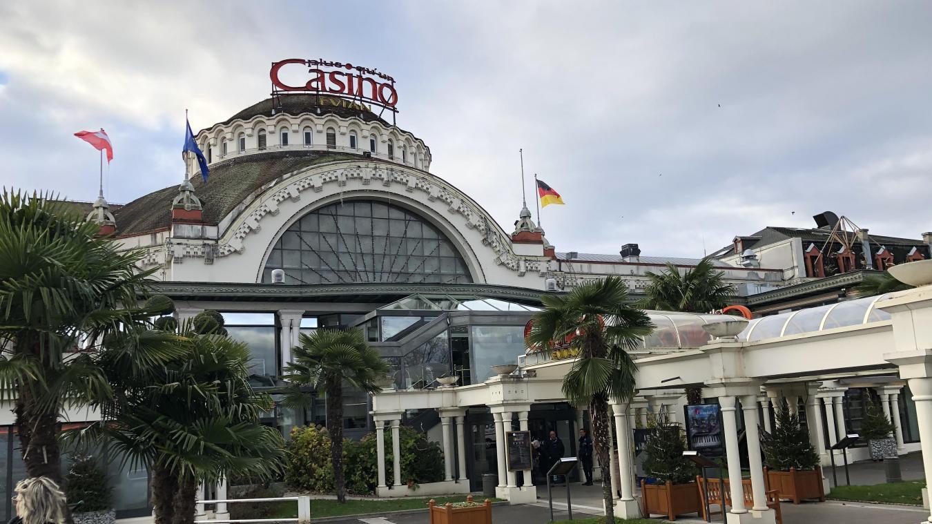 Evian-les-Bains : un jeune homme de 17 ans poignardé devant le casino