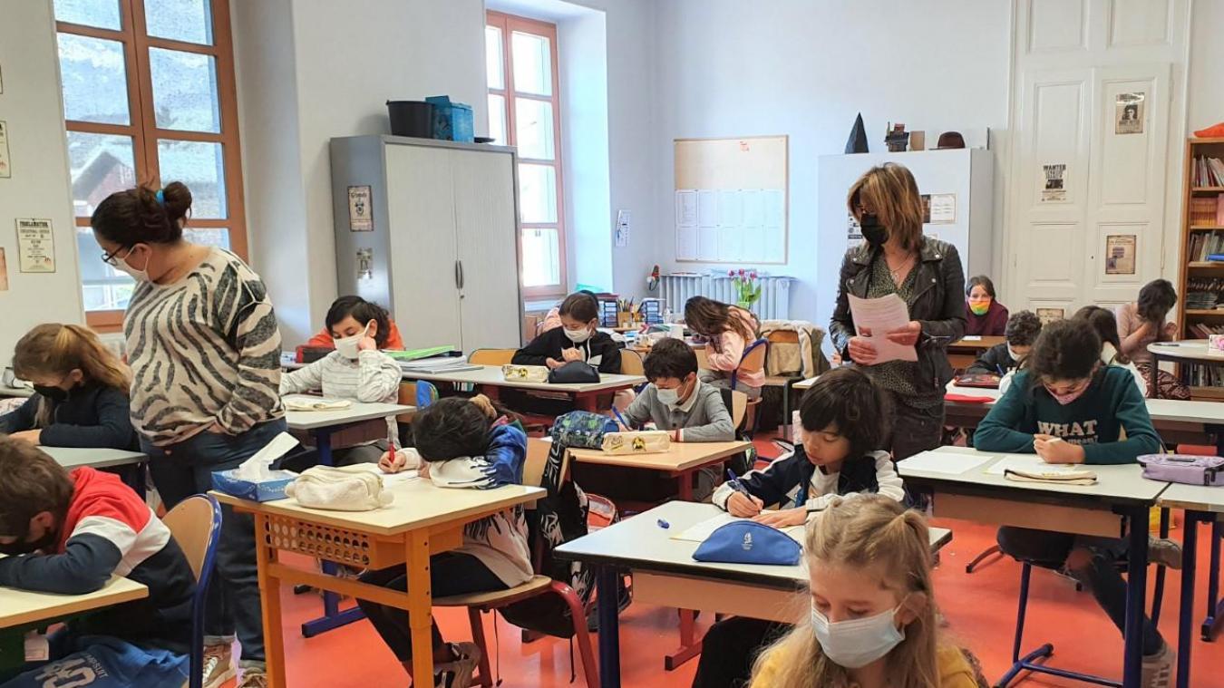 Un collectif d'enseignants a porté plainte contre le minstre de l'Education nationale.