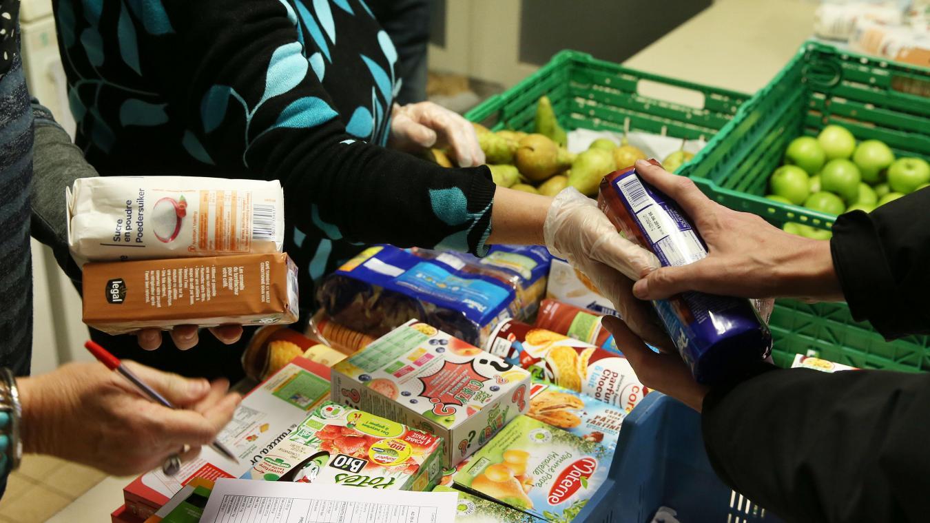 Chaque bénéficiaire reçoit l'équivalent de six repas par semaine.