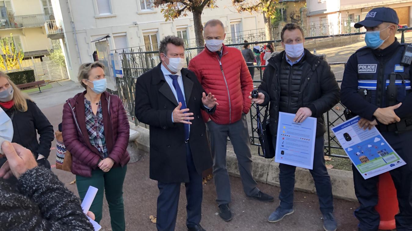 Une enveloppe de 150000 euros a été prévue au budget pour le dispositif My Keeper, un boîtier d'alarme déployé dans les écoles et crèches depuis l'automne.