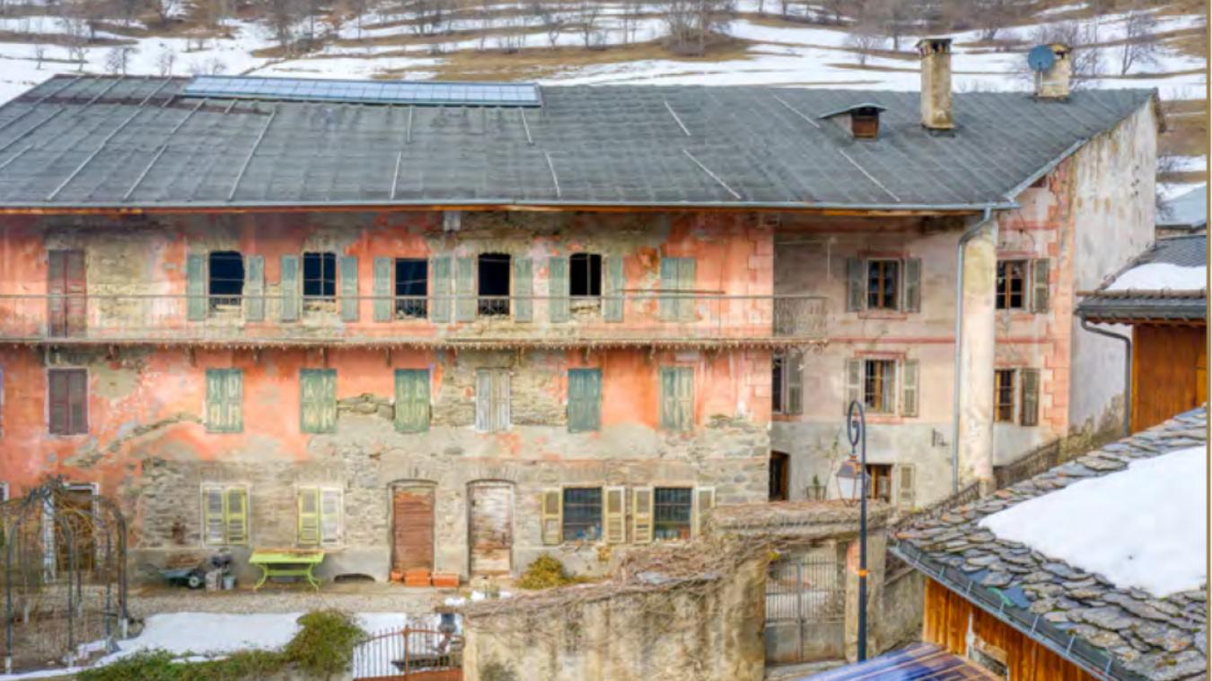 Une fois rénové, l'imposant bâtiment devrait retrouver tout son lustre d'antan.