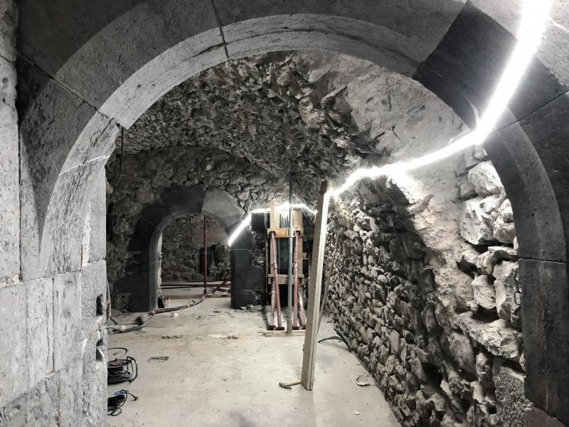 Les travaux de rénovation visent à redonner au château son aspect originel.