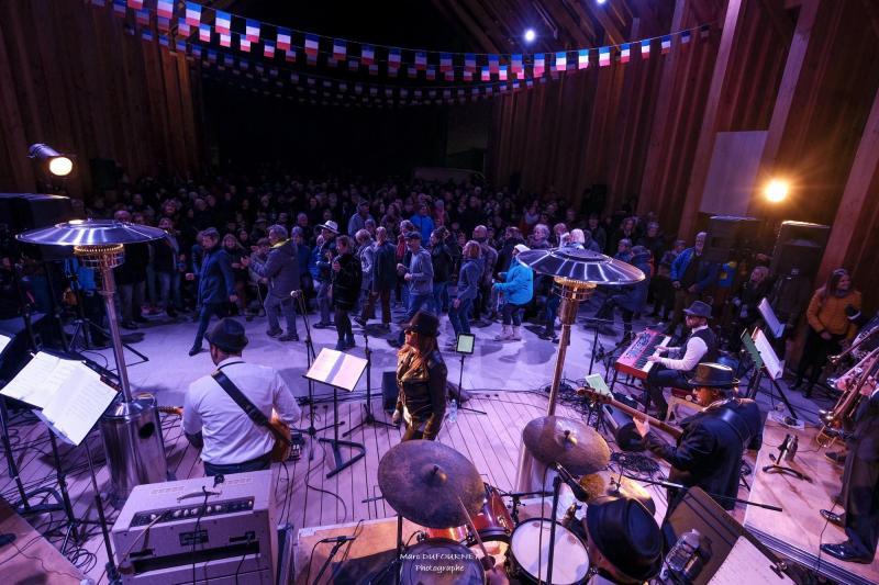 The Blue Brothers'n Co ont mis l'ambiance lors de la soirée inaugurale, dimanche 10 novembre.