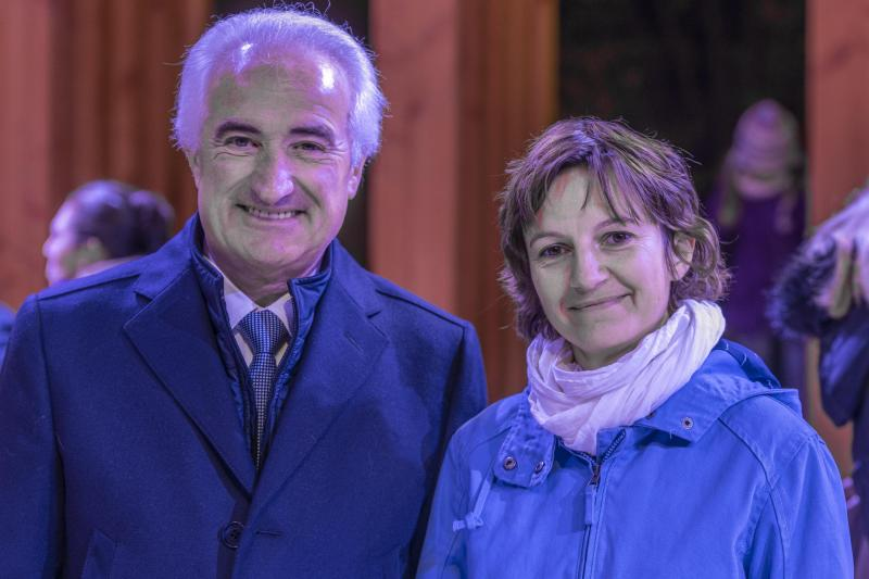 Le maire de Faverges-Seythenex Marcel Cattaneo et Adela Ciurea, architecte de l'Atelier NAO.