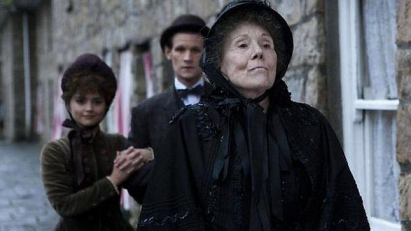 Diana Rigg en 2013 dans la série de la BBC Doctor Who.