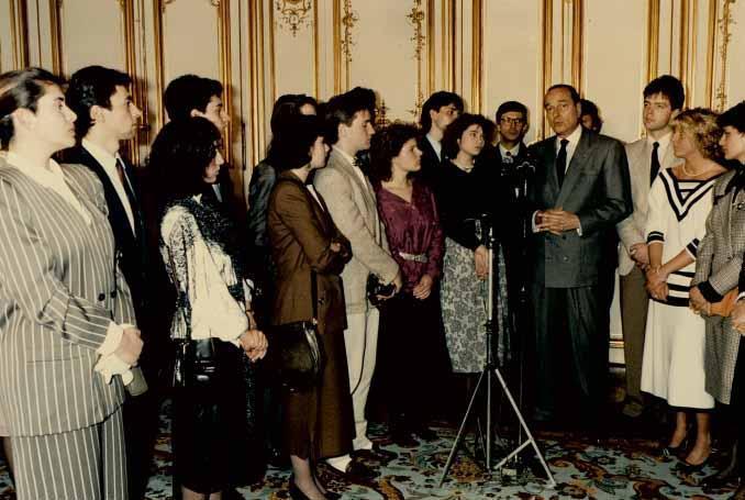 Jacques Chirac, Bernard Bosson et des personnalités du bassin en 1987 à Annecy. (Photo Archives municipales d'Annecy)