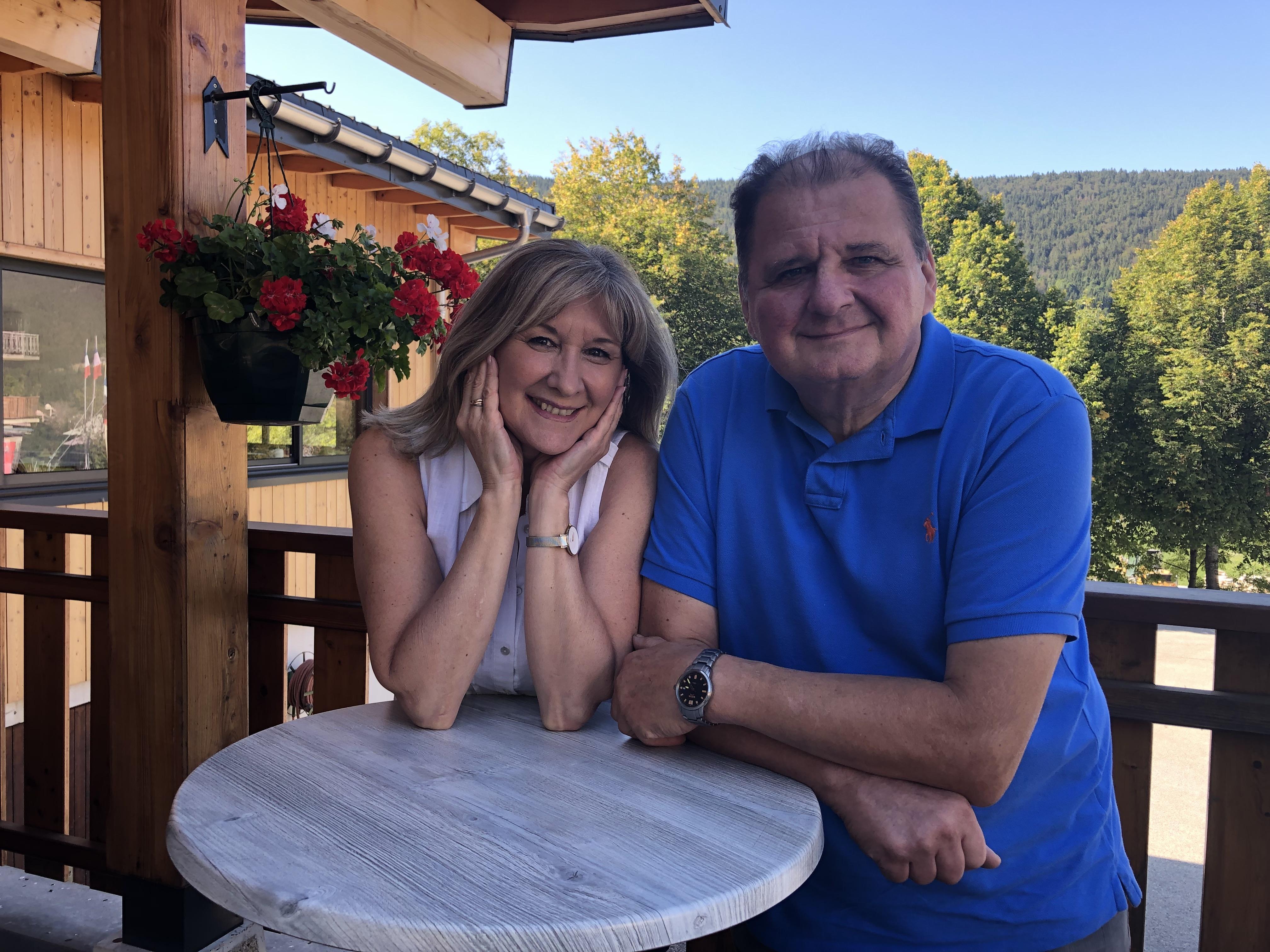 Florence et Michel Grossiord, 40 ans de dévouement à leur établissement, à leur clientèle, à leur village.