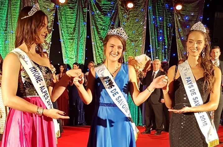 Delphine Lamourette (au centre) a été désignée Miss Pays de Savoie 2019. (photo Facebook / Comité Miss Pays de Savoie)