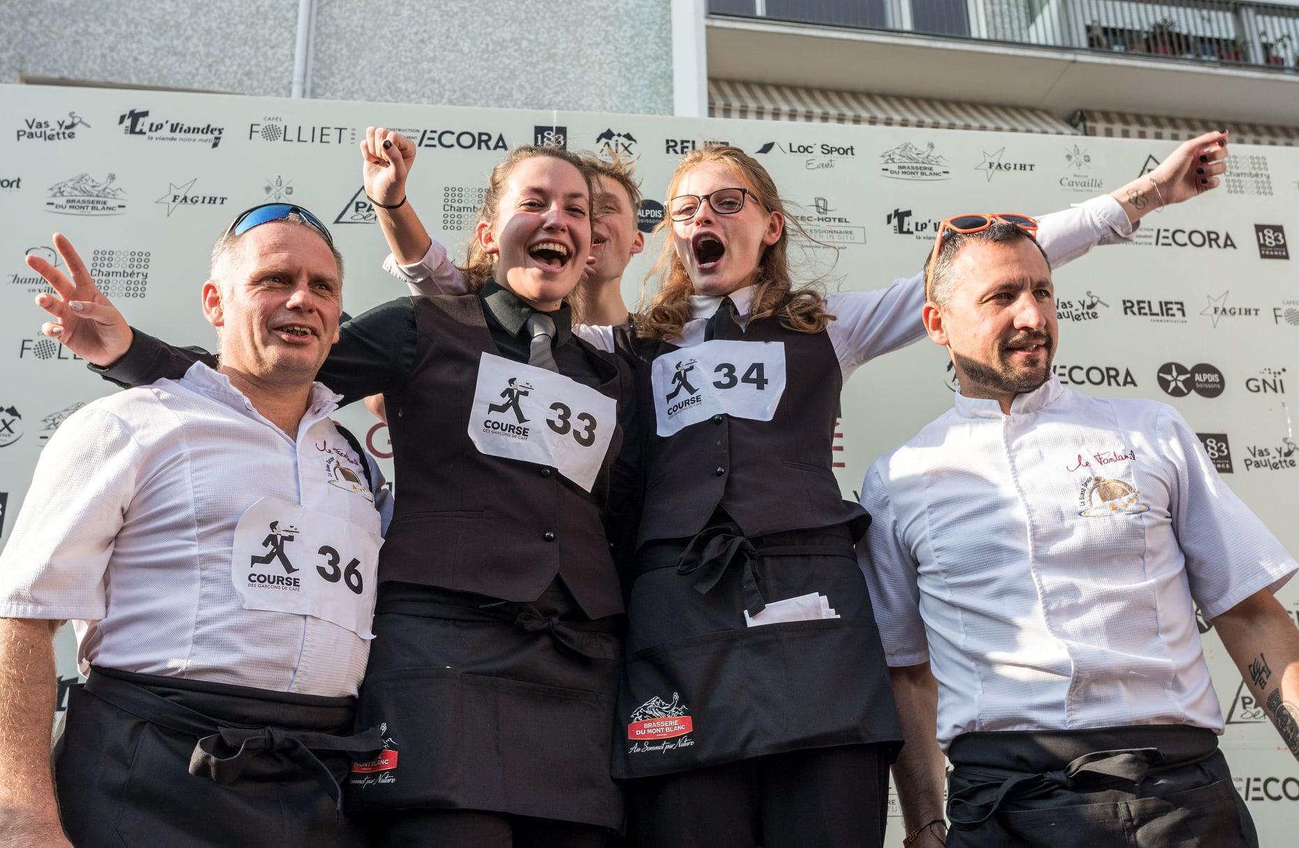 (PHOTOS & VIDEO) Chambéry: la course des garçons de café s'annonce corsée!