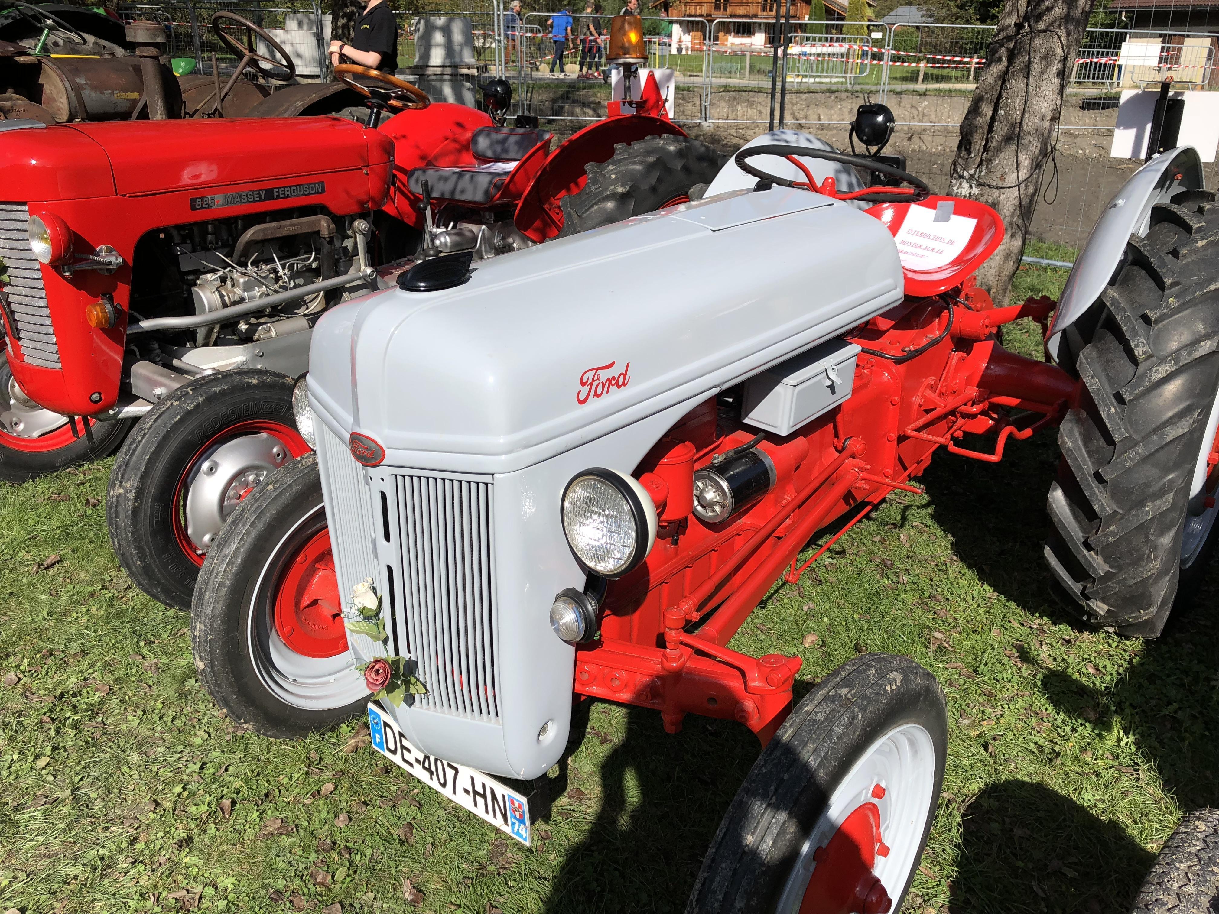 (PHOTOS) Servoz: Émilien ou la passion du tracteur