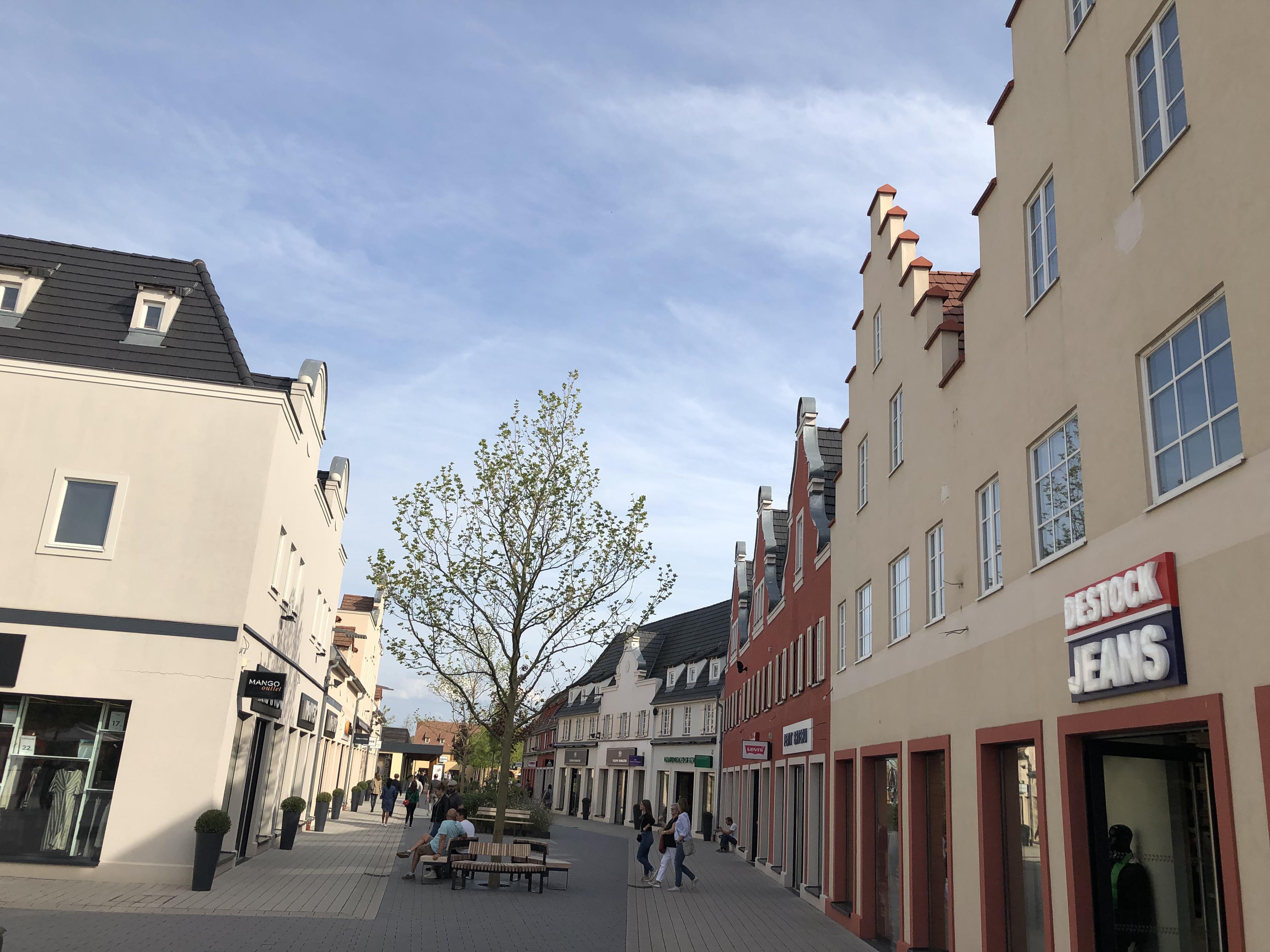 650 employés travaillent au sein de Roppenheim the style outlets.