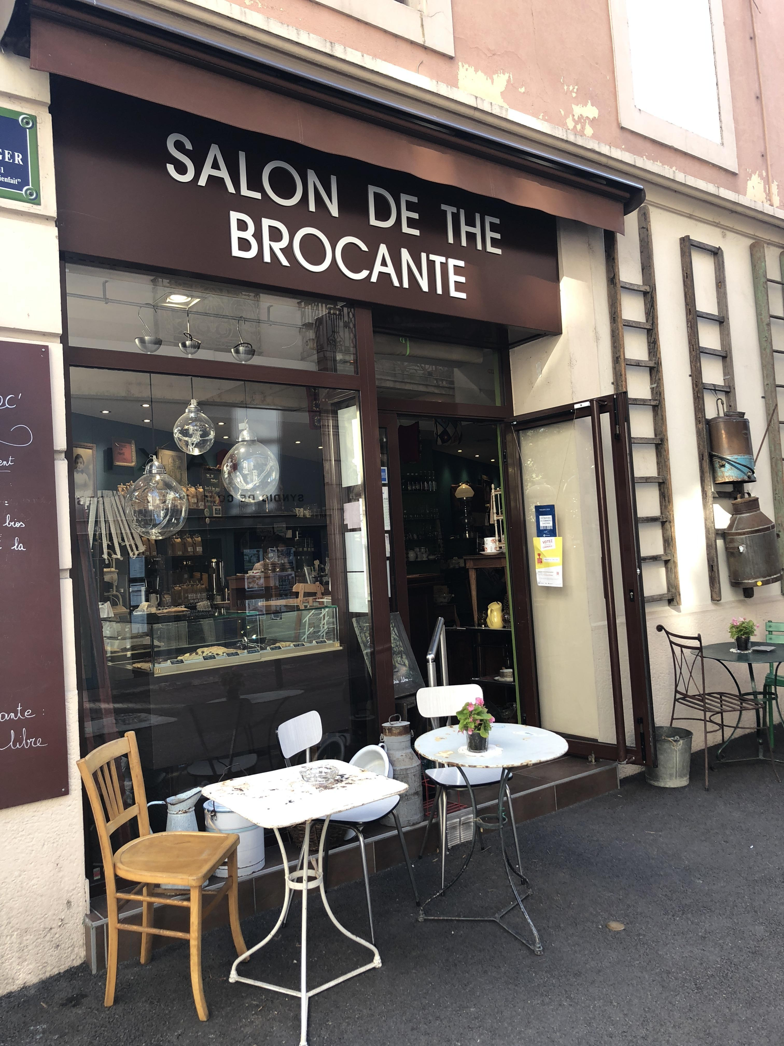 (PHOTOS) Aix-les-Bains: au Café Broc' vous pouvez acheter la tasse dans laquelle vous buvez