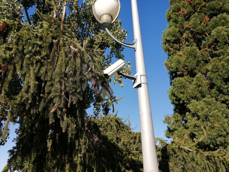 On peut s'interroger sur l'intérêt des images filmées par une caméra de vidéo-protection installée non loin du centre nautique d'Evian…