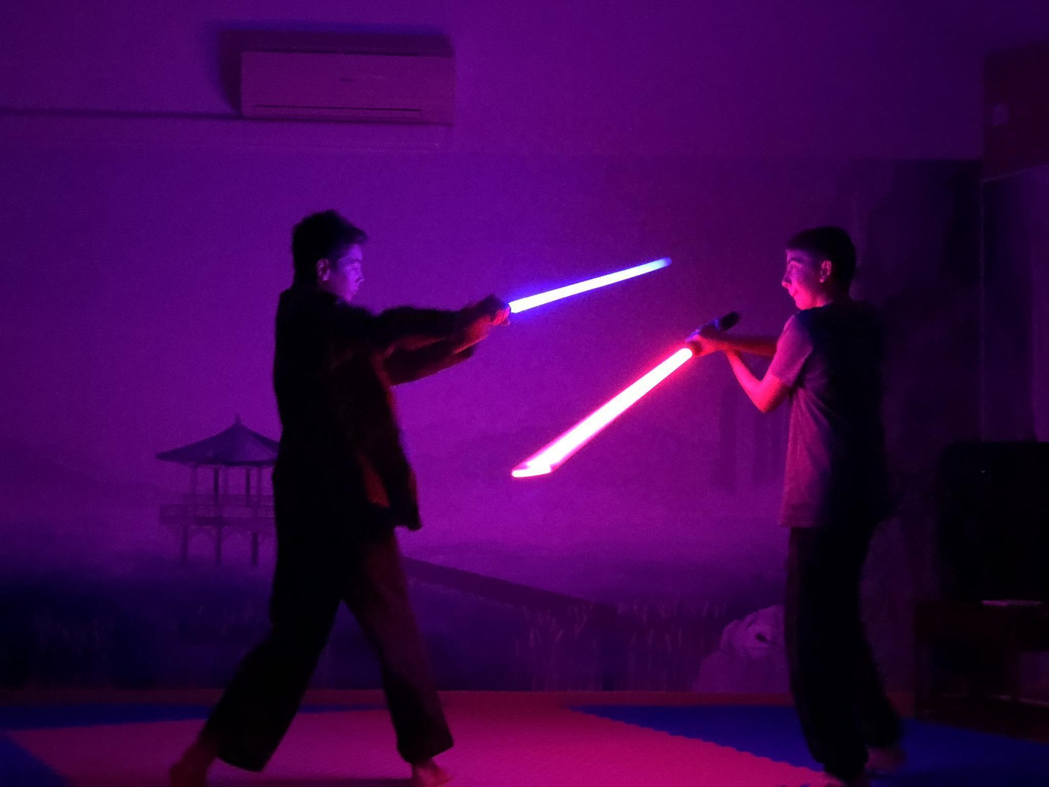 (PHOTOS & VIDEO) Les « Jedi » de la vallée de l'Arve ont enfin leur école de sabre laser
