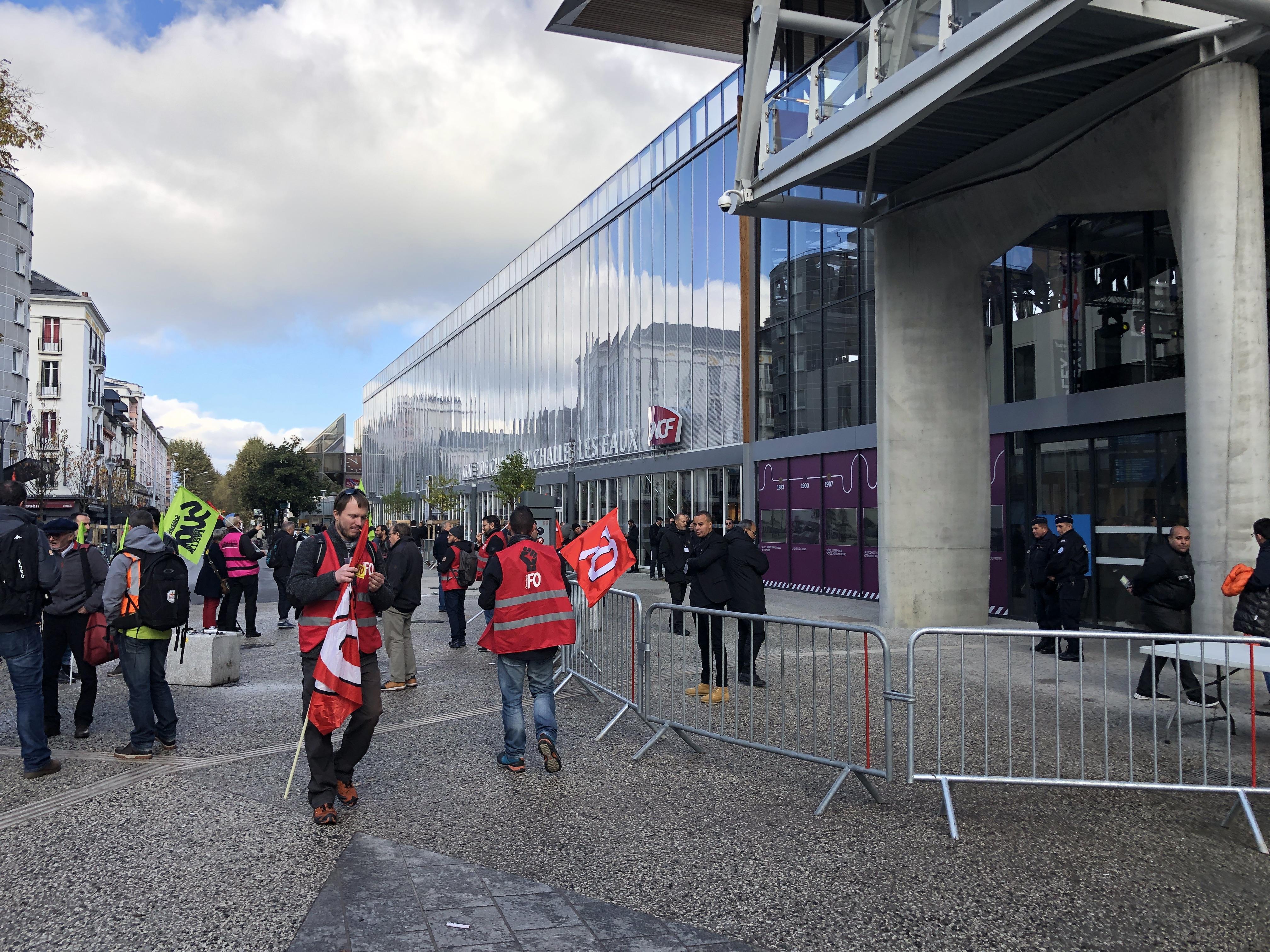 (PHOTOS) Nouvelle gare de Chambéry : « Un exploit » inauguré sous les sifflets