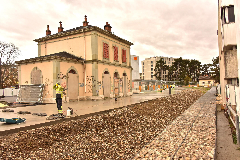 L'ancienne gare de Chêne-Bourg, préservée, sera dédiée à des activités culturelles avec un bistro. 230 logements prévus aux alentours. ©DRK