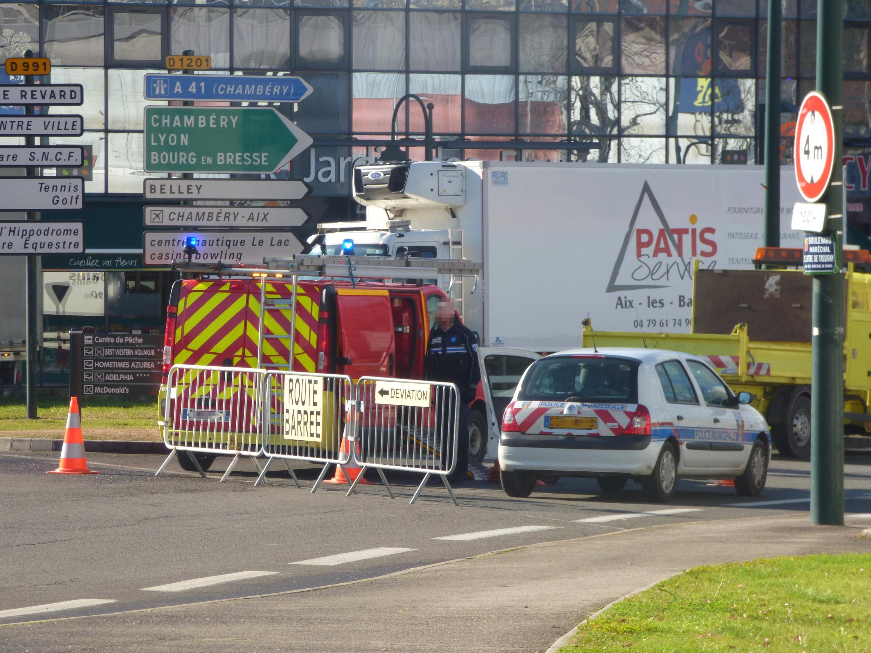 Aix-les-Bains : un poids lourd s'encastre encore dans le pont SNCF
