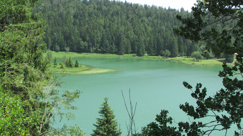 Charix : le lac Genin, un petit coin de paradis