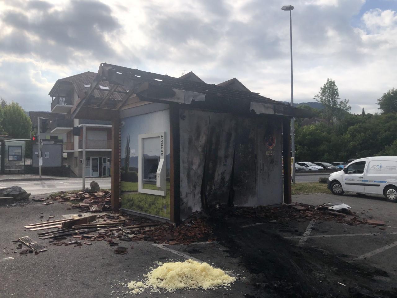 Le distributeur de billets se trouve au carrefour de Noyer, à Allinges. Il avait déjà été attaqué en 2017.