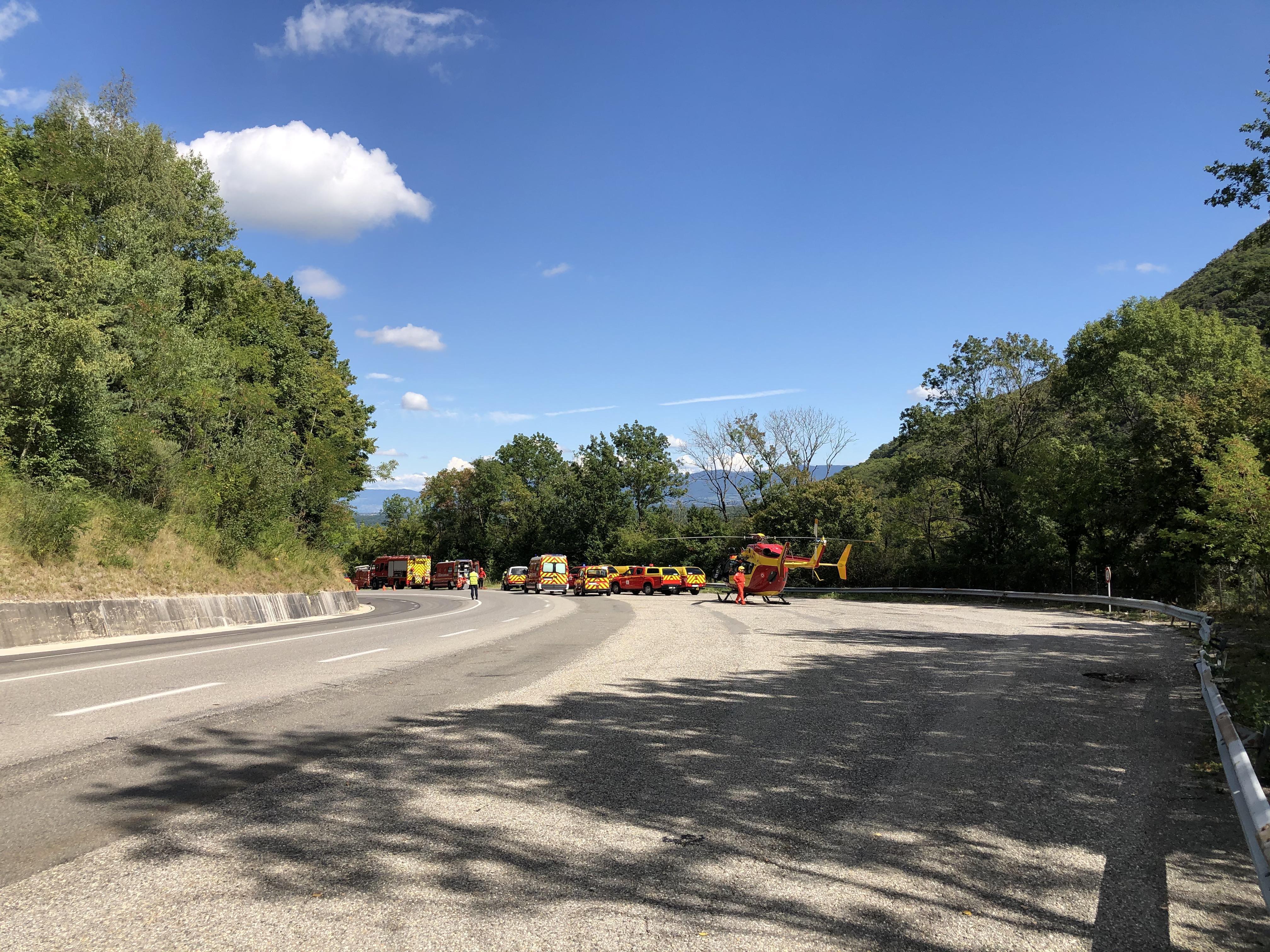 La victime a été héliportée vers le centre hospitalier d'Annecy.