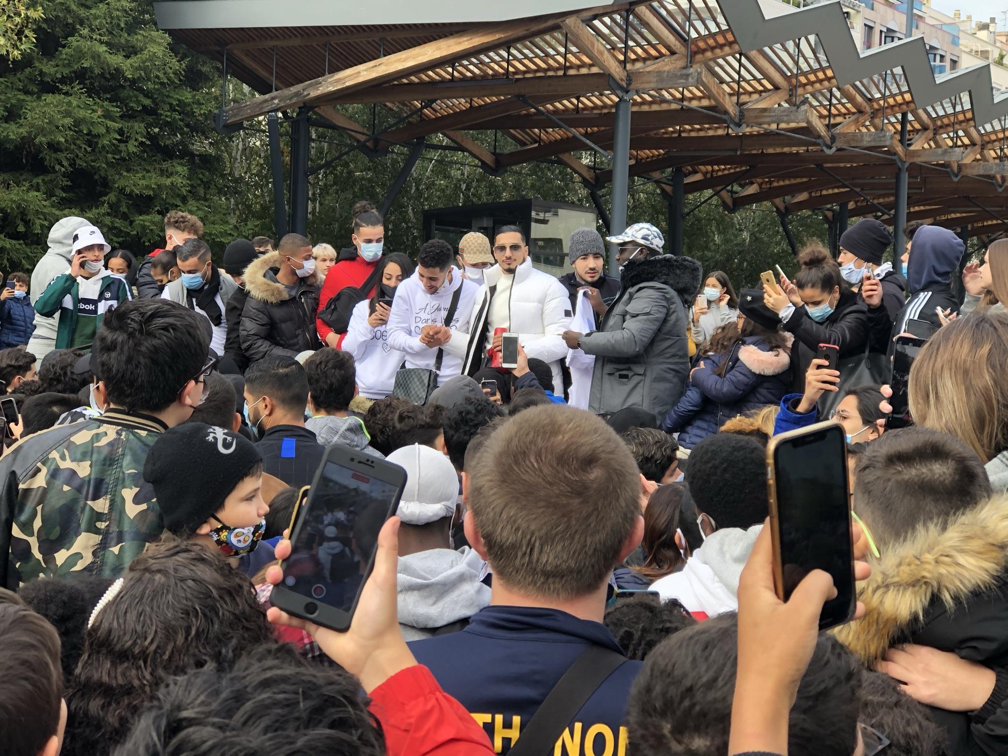 (VIDÉO & PHOTOS) Annemasse: plus de 500 personnes se sont réunies pour rendre hommage à Rania