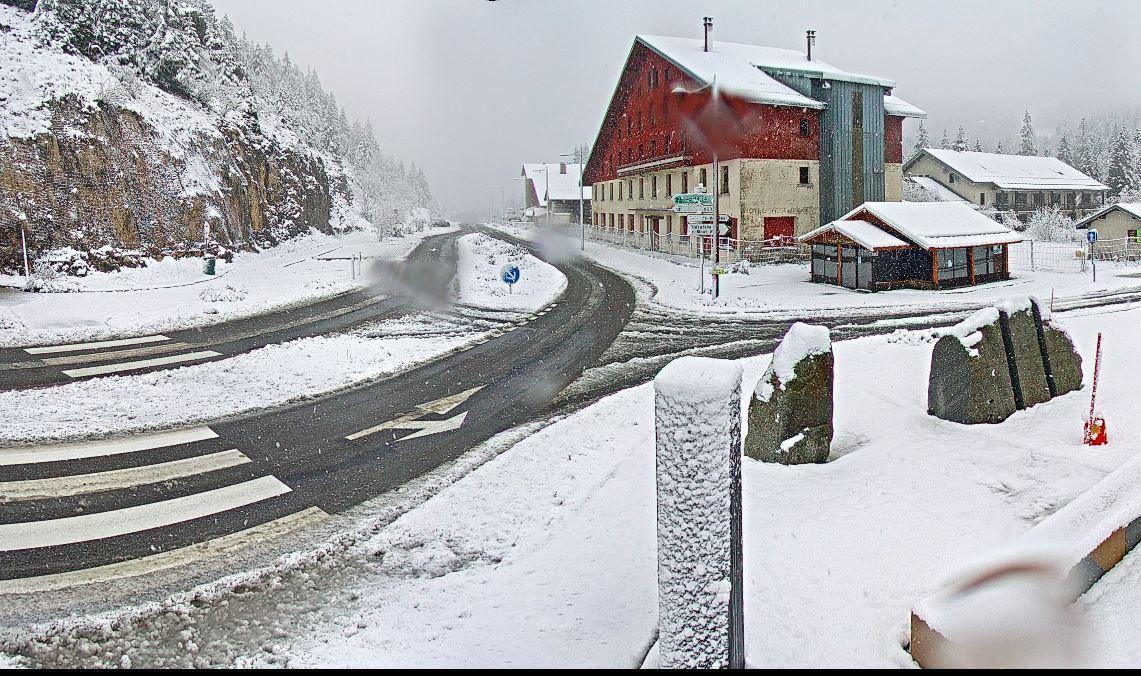 Le Col de la Faucille enneigé.