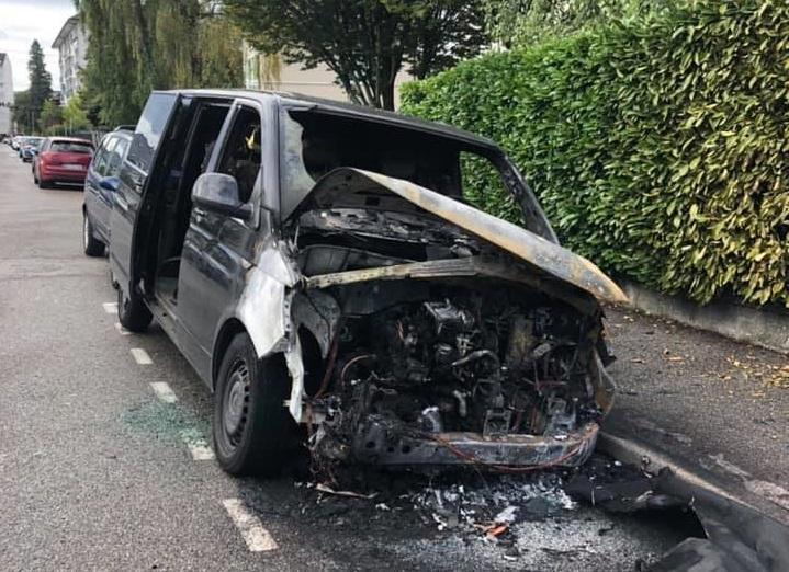 (VIDEO) Annecy : une enquête en cours après une série d'incendies de voitures