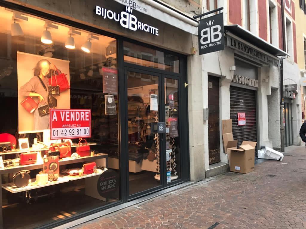 Annecy: pourquoi tous les commerces de la vieille ville sont-ils «à vendre»?
