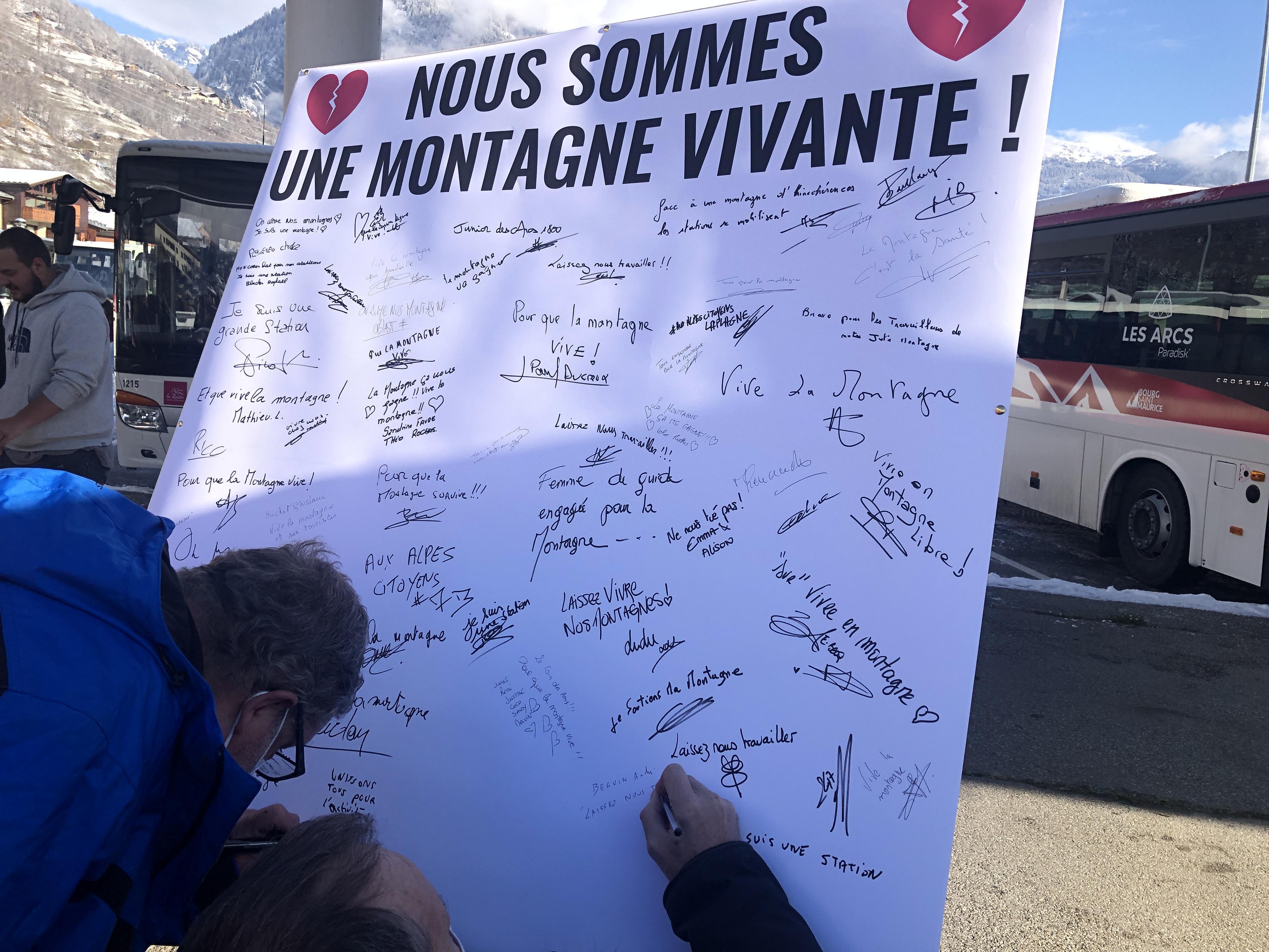 Bourg-Saint-Maurice: près de 400 manifestants pour défendre la montagne et son économie
