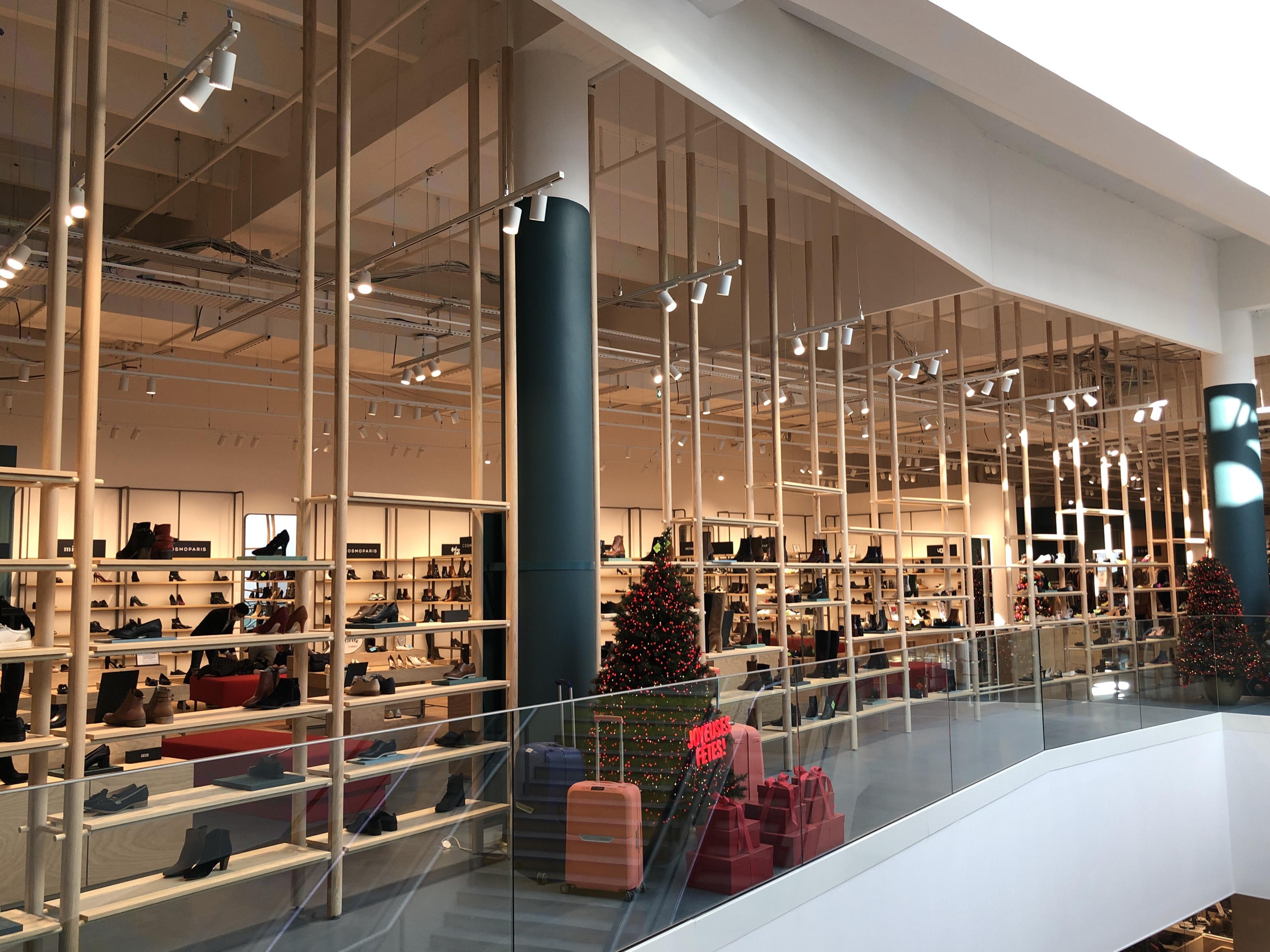 Du mobilier et des éléments de décoration ont été spécialement créés pour le grand magasin annécien.