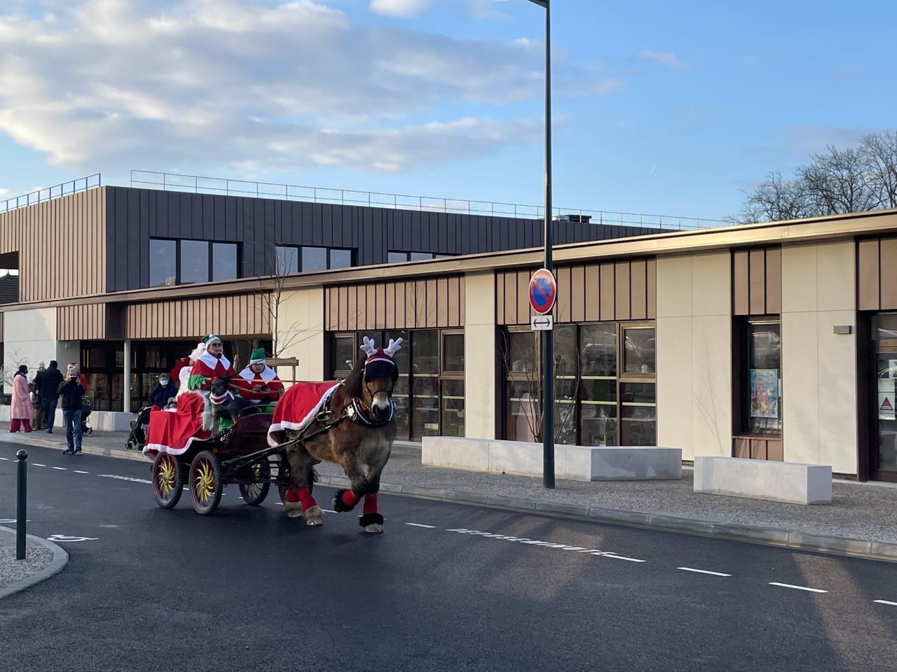 Le Père Noël en visite à Anthy
