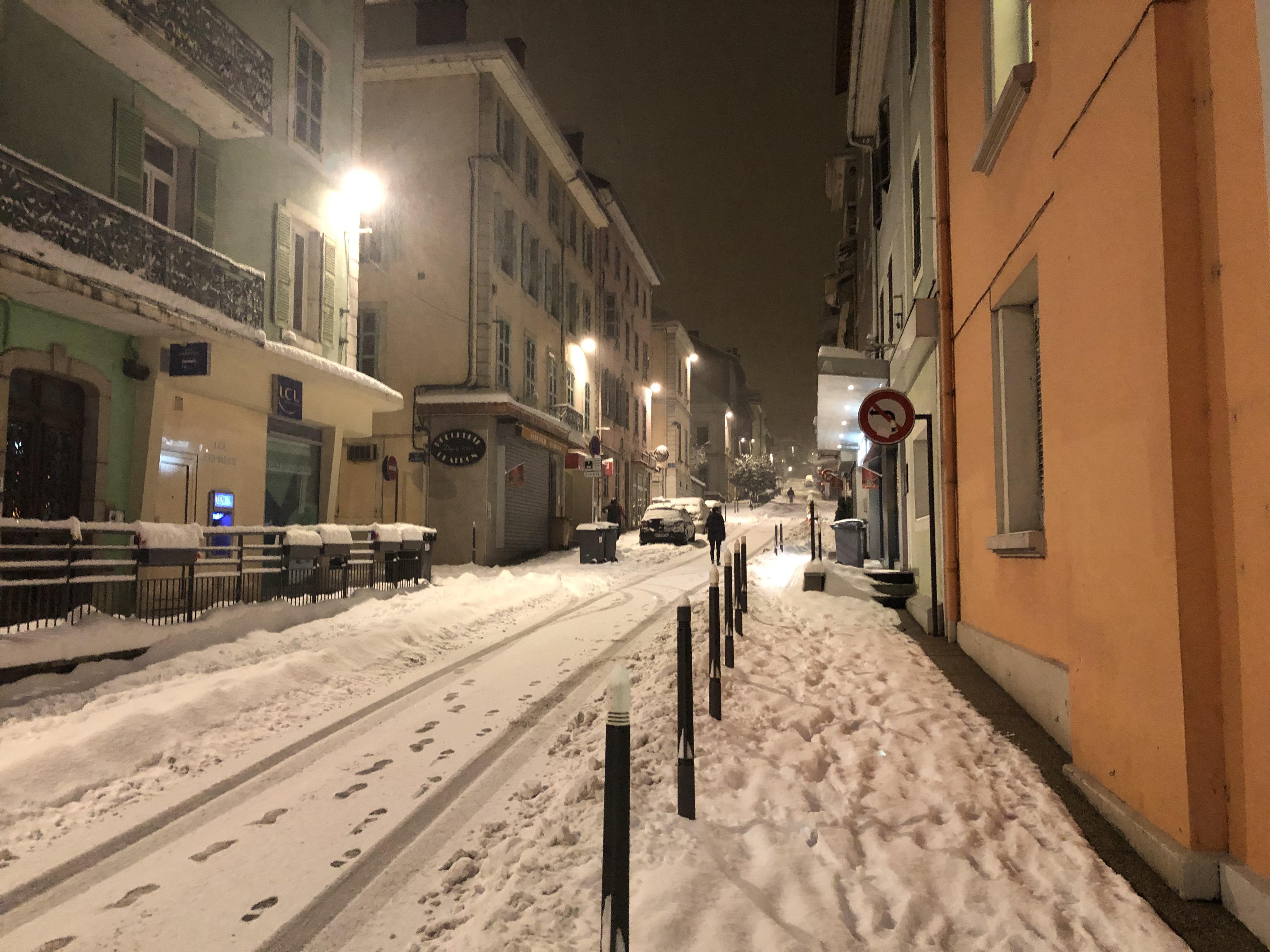 Il neige encore un peu à Bellegarde.