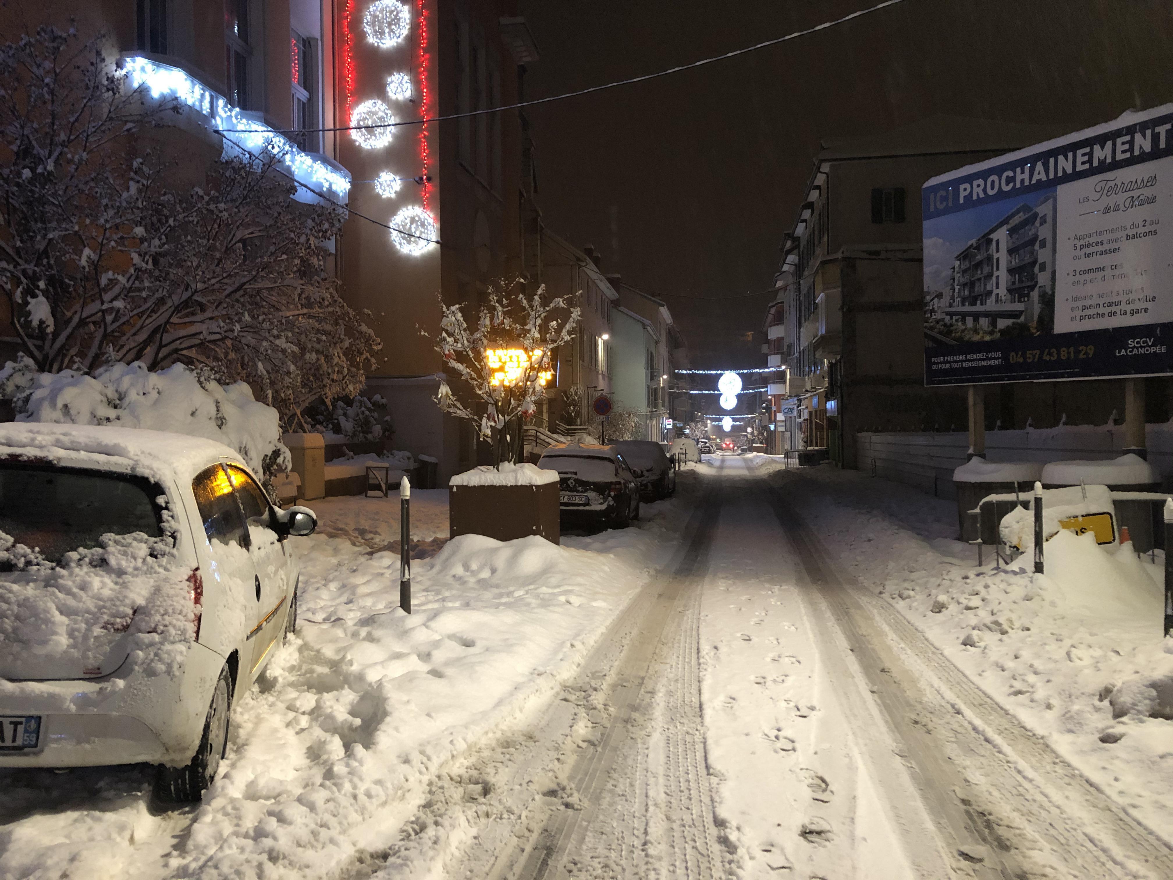 La rue de la Ré recouverte d'un joli manteau neigeux.