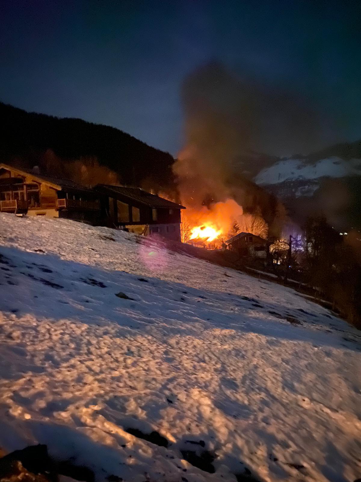 Les Houches: un violent incendie ravage un chalet habité